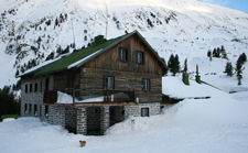 Ski tour Vihren hut image.